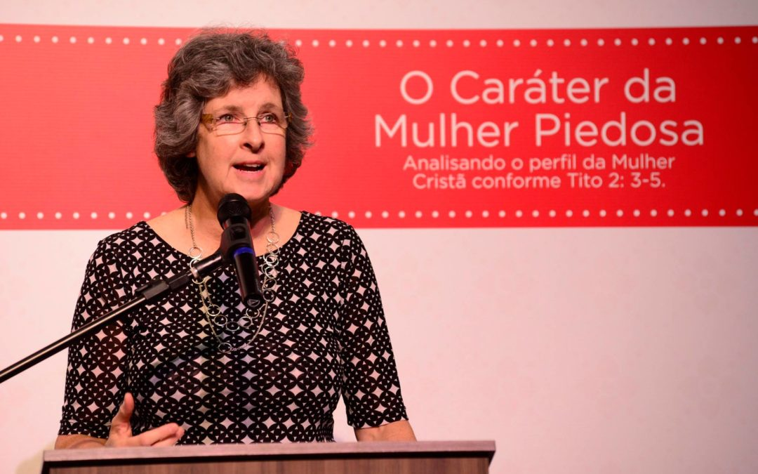 "[I Congresso MP] Palestra: ""Mestras do Bem"" – Tito 2:3 por Mary Beeke"