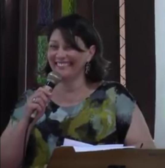 """[Fica a Dica] """"Como a mulher pode servir na igreja"""" por Simone Quaresma"""