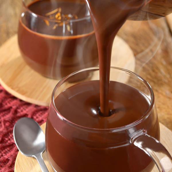 "[Mulheres Prendadas] ""Chocolate quente cremoso"""