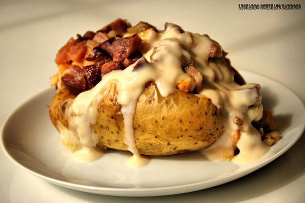 "[Mulheres Prendadas] ""Batata Recheada com Bacon"""